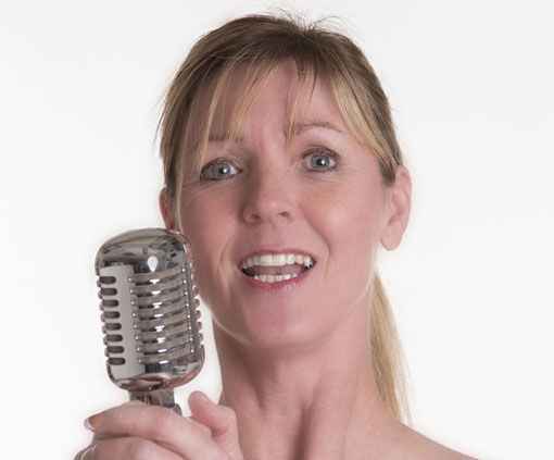 microphone-woman-510