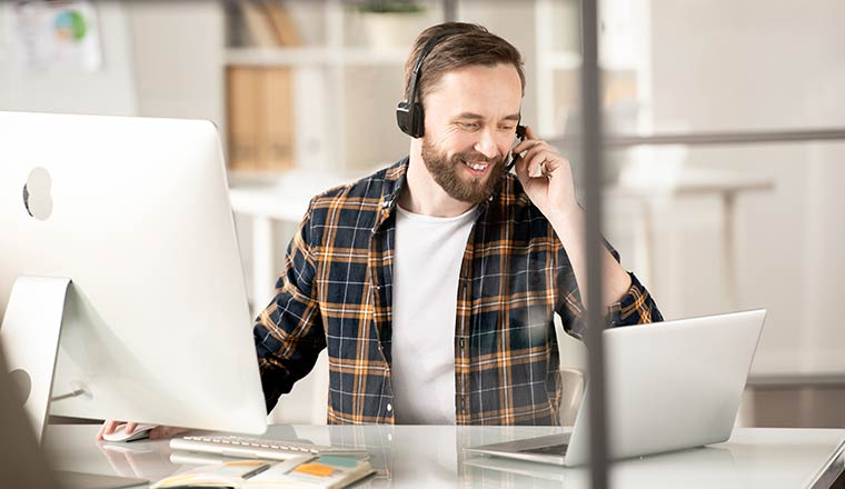 A photo of a remote sales agent