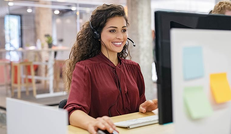 A photo of a happy call centre agent