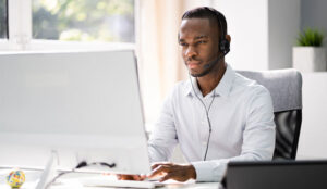 A picture of a call centre agent